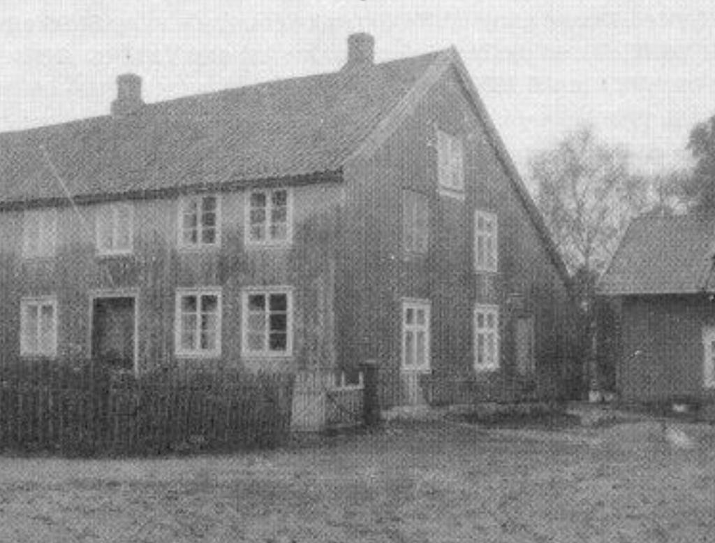 Bilde av våningshus rundt 1910